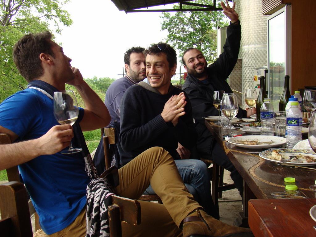 1-071 Easter Party at Markos Markovitis