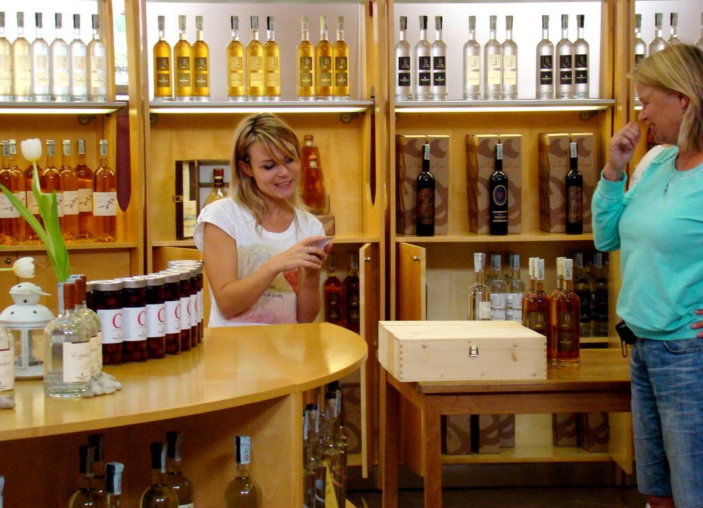 1-056 Distilleria Beccaris in Costigliole d'Asti.JPG
